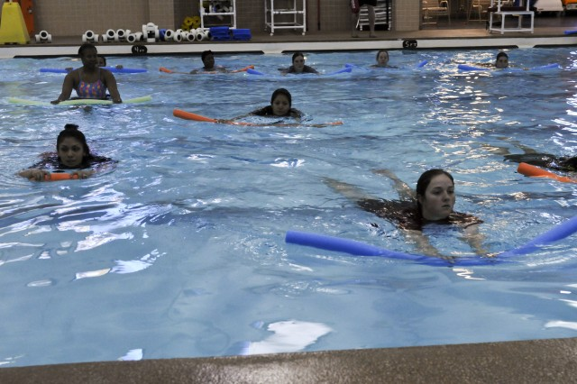 Pregnancy pt helping to stay fit article the united states army for Can u get pregnant in a swimming pool