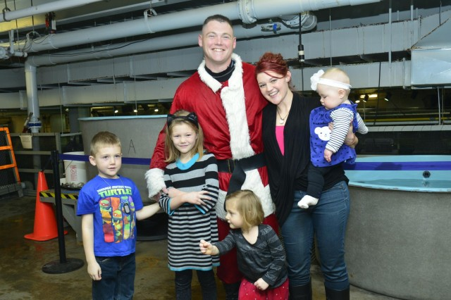 Soldier surprises family as Scuba Claus