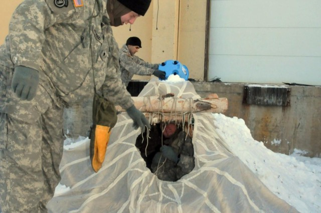 Fort Wainwright military police prepare for Arctic winter temperatures