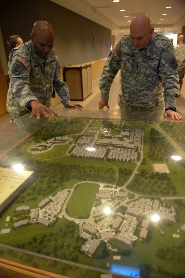 U.S. Army Chief of Staff visits Soldiers, Civilians at Fort Leonard Wood