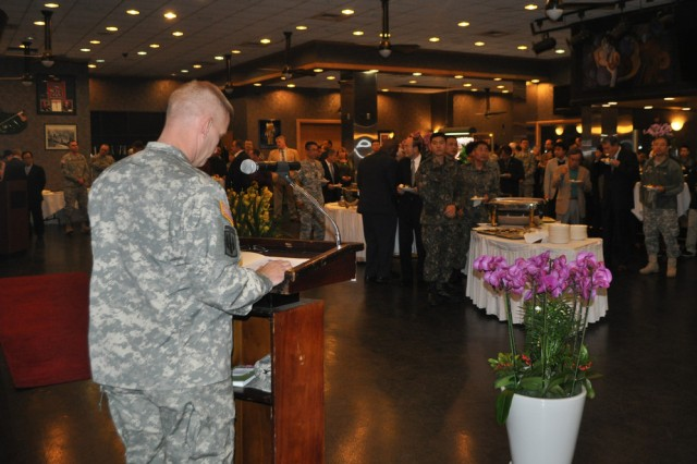 Col. Michael. E. Masley, commander of U.S. Army Garrison Yongsan, gives a speech during the New Year's reception held at the R&R Bar and Grill, Jan. 16. In his speech, Masley emphasized the strongness of U.S.-ROK alliance, and thanked community members and guests for their support. (U.S. Army photo by Cpl. Jung Jihoon)