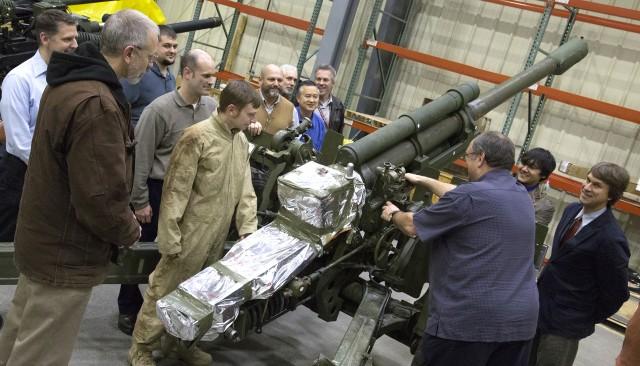 U.S., Canada partner to upgrade Canadian howitzer