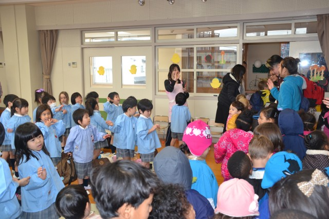 """Goodbyes"" were said all around, as the Hosen Kindergarten students and staff, and the Camp Zama and Sagamihara Family Housing Child Development Center?'s children parted ways after celebrating Friendship Day together on March 3.  (U.S. Army photos by Candateshia Pafford)"