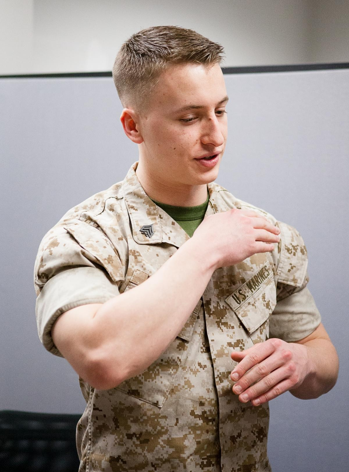 sleeves up   u0026 39 sun u0026 39 s out  guns out u0026 39  throughout the corps