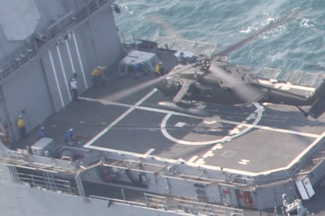 2nd Combat Aviation Brigade deck landings on USS Lake Erie