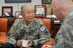 McKiernan meets Korean War legend in Seoul