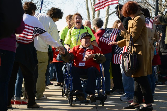 WWII veterans make emotional visit to their memorial