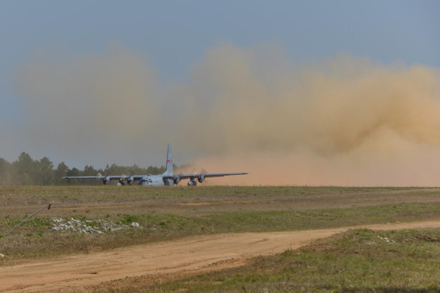 Georgia Air Guard Pilots Perform Combat Take-offs and Landings Close to Home