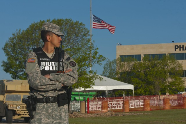Fort Hood shooting victims honored at memorial ceremony