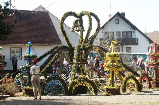 The Easter fountain in Bieberbach is said to be the largest in the Fraenkische Schweiz.