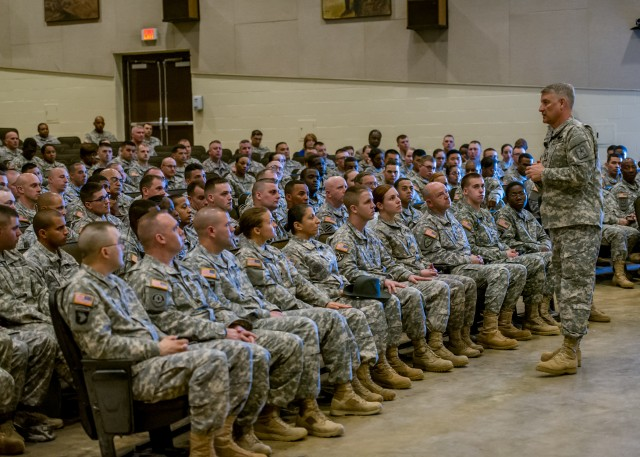 SMA stresses importance of character, commitment and confidence to Fort Leonard Wood Soldiers