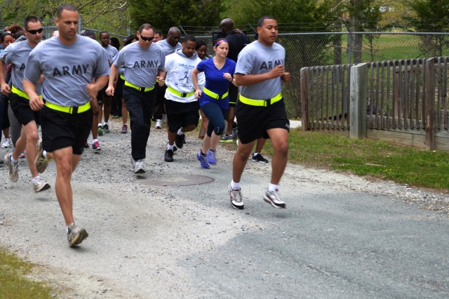 More than 65 Soldiers, Department of the Army Civilians and family members from the 80th Training Command (TASS) headquarters kick of the second annual Sexual Harassment Assault and Response Prevention 5k run and walk event at the Defense Logistics Agency Compound in Richmond, Va., April 24, 2014. The unit conducted the event in observance of Sexual Assault Awareness Month.