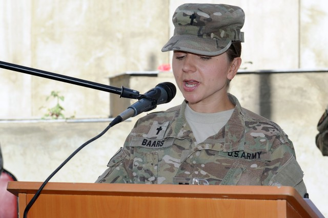 """U.S. Army Chaplain (Capt.) Mel Baars O'Malley offers a reflection on her experience as a female chaplain. """"It is in military chaplaincy, perhaps more than anywhere else in the religious world, that people from every theological background are thrown together and forced to find a way forward,"""" O'Malley said"""