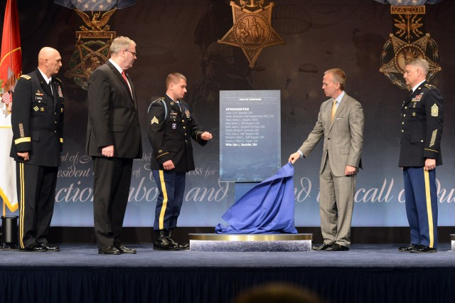 Former Army Sgt. Kyle J. White is inducted into the Pentagon Hall of Heroes, May 14, 2014, one day after receiving the Medal of Honor for his actions in Afghanistan during the Battle of Aranas in 2007. Pictured from left to right are: Chief of Staff of the Army Gen. Ray Odierno, Deputy Secretary of Defense Robert O. Work, White, Under Secretary of the Army Brad R. Carson, and Sgt. Maj. of the Army Raymond F. Chandler III.