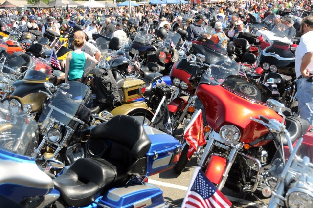 """At the Pentagon in Arlington, Va., tens of thousands of motorcyclists gathered to participate in the 27th """"Rolling Thunder"""" motorcycle rally, May 25, 2014. The event is in its 27th year now. Participants from around the United States gathered at the Pentagon before embarking on a ride around the National Mall in Washington, D.C. The rally brings attention to prisoners of war and those missing in action."""