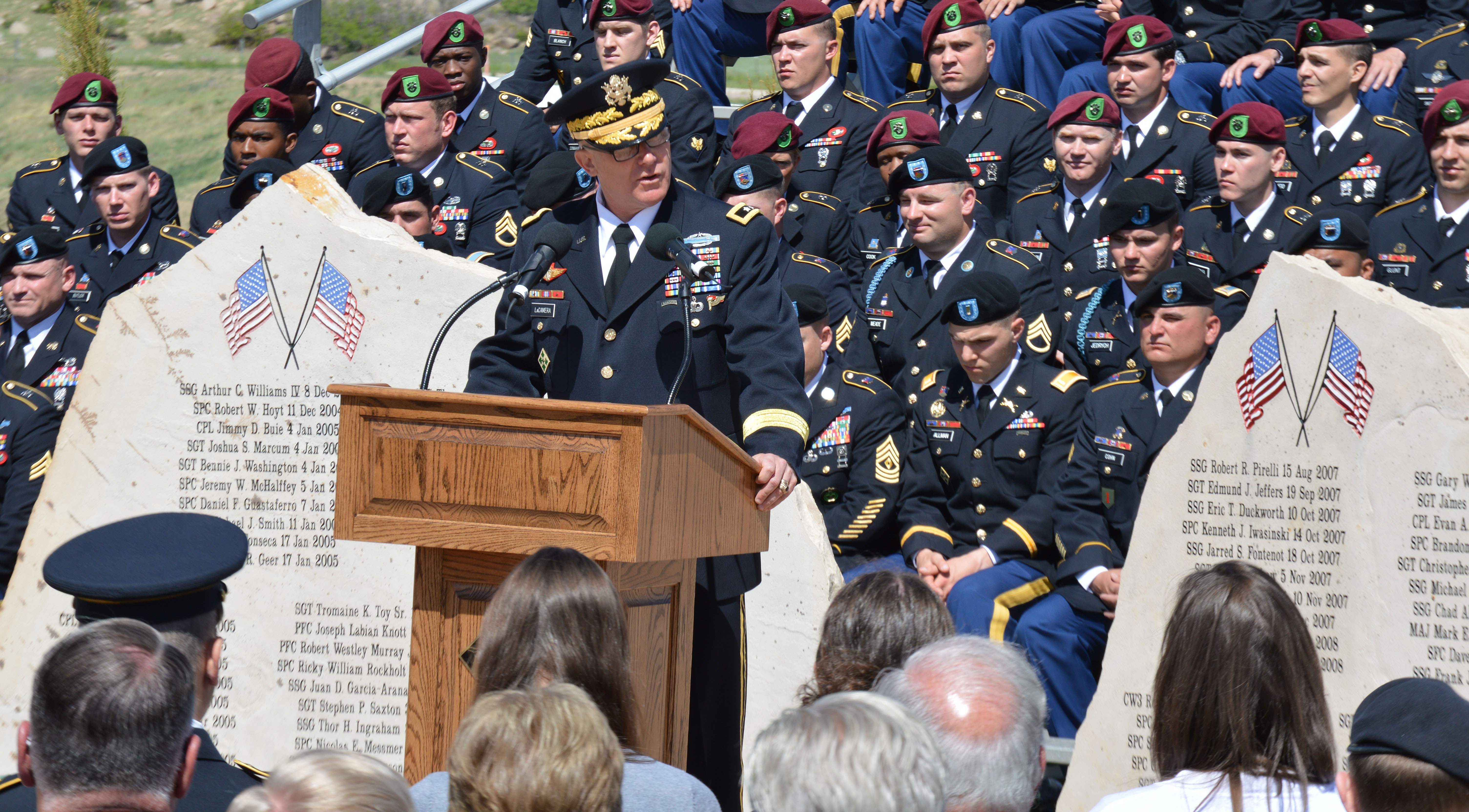 Fort Carson honors fallen heroes | Article | The United