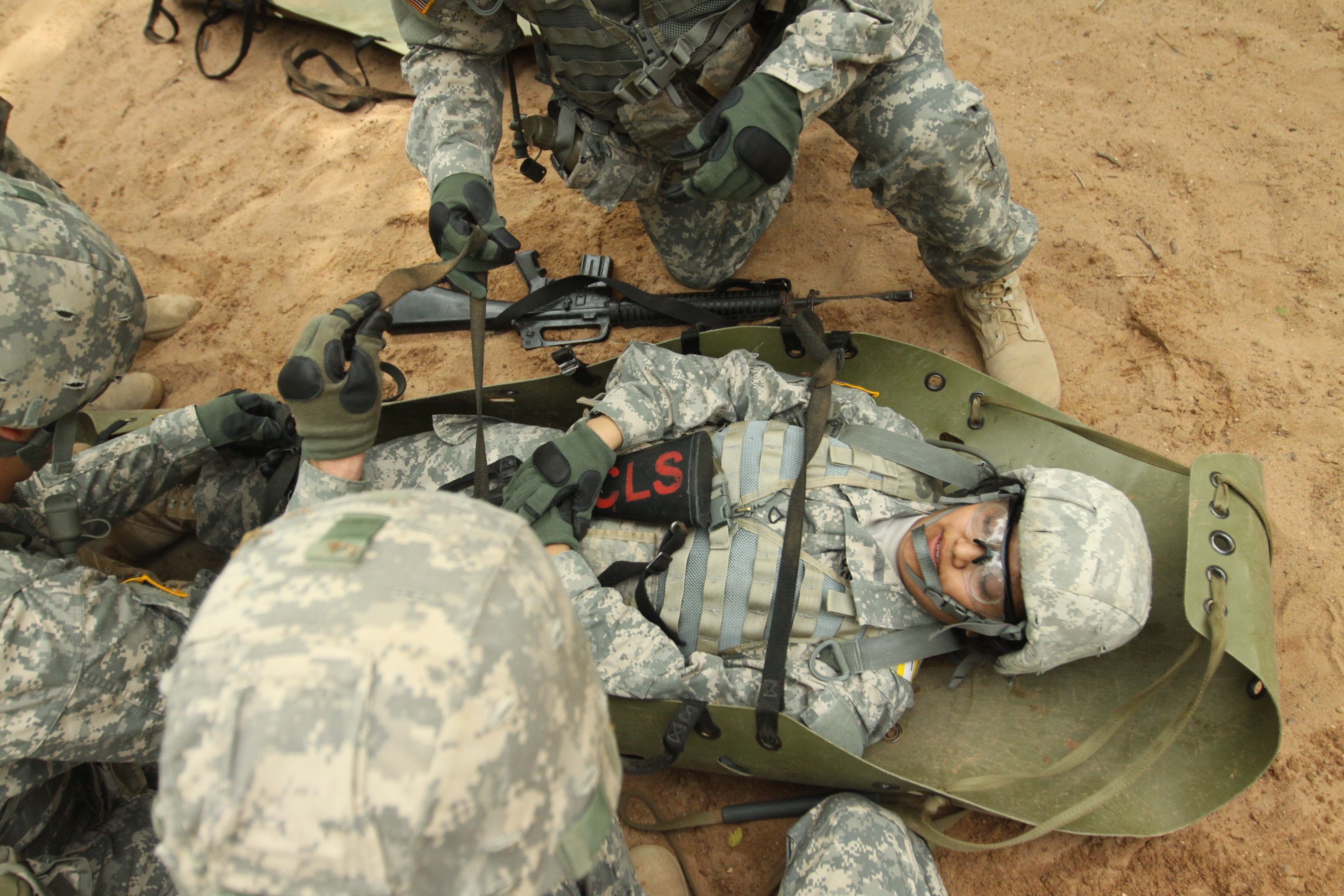 combat life saver Fort huachuca, arizona - in the event of an emergency, army combat medics play a critical role by applying first aid and trauma care to wounded soldiers, but in some situations the first person to assist isn't always a certified medic.
