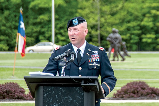 0e31ba310 Fort Drum community honors three fallen 10th Mountain Division ...