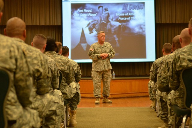 Lt. Gen. Mark A. Milley, III Corps commanding general, gives his commanding general's welcome brief to a group of in-processing Soldiers at the Back Bone Lounge here May 18. The brief is given to all in-processing Soldiers to welcome them and to share valuable information about Fort Hood and the surrounding communities.