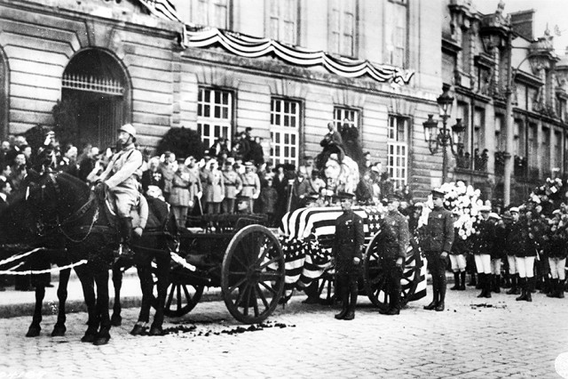 The beginnings of the Quartermaster Graves Registration Service