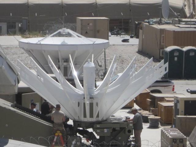 Deployable Ku-band Earth Terminal