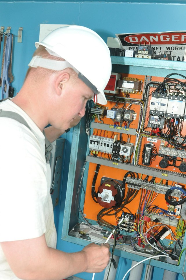 Army Reserve engineers upgrade electrical at Fort McCoy