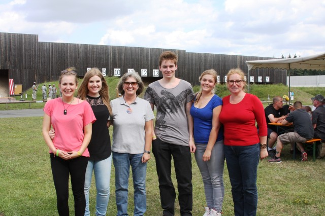 Outreach-KONTAKT Franken, a German-American friendship club, participated for the first time in the friendly shooting competition in Oberdachstetten.