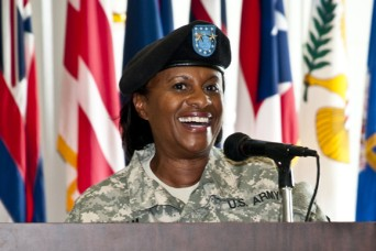 TACOM welcomes its frst female commanding general ...