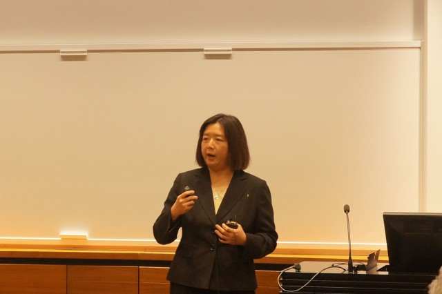Dr. Jessie Chen from the U.S. Army Research Laboratory Human Research and Engineering Directorate in Orlando, Fla., recently spoke to leading researchers in emotion science and social robotics with DOD scientific leaders and Yale University students in the area of intelligent autonomous systems. (Photo courtesy of Yale University)