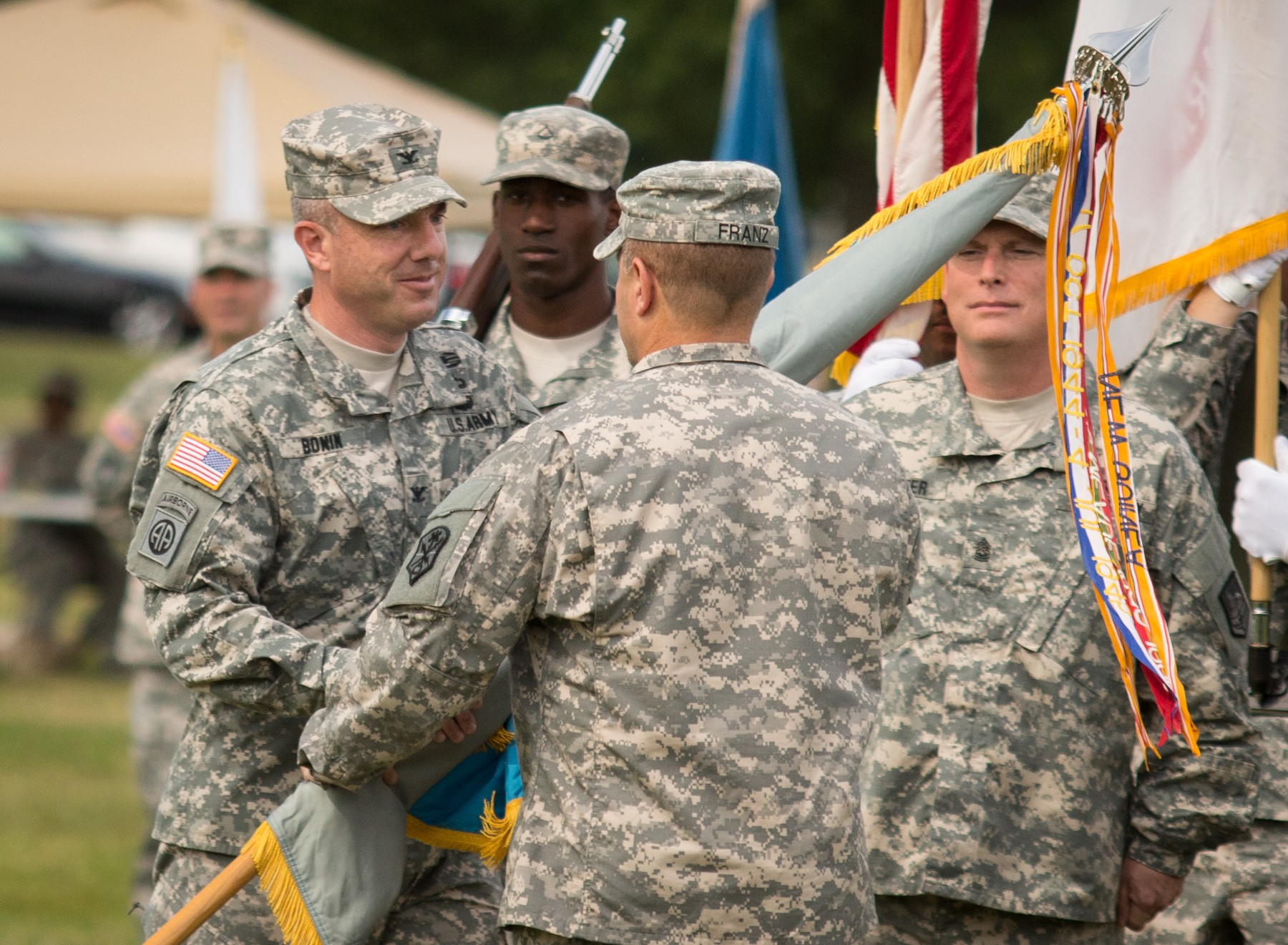 new leader takes over 902nd mi group
