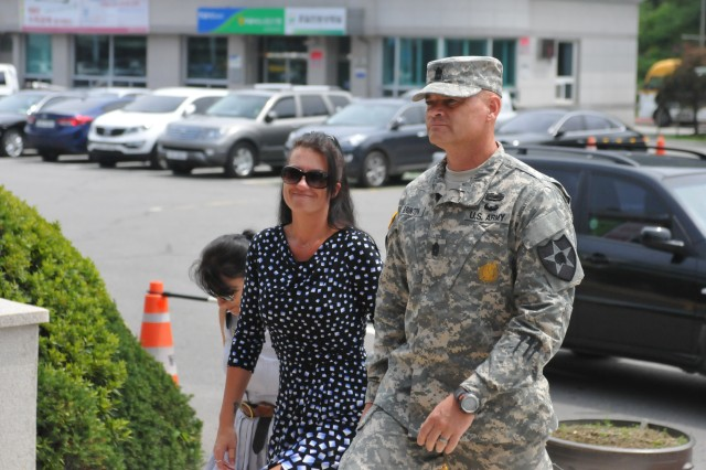 210th FA Bde. Command team becomes Dongducheon citizens
