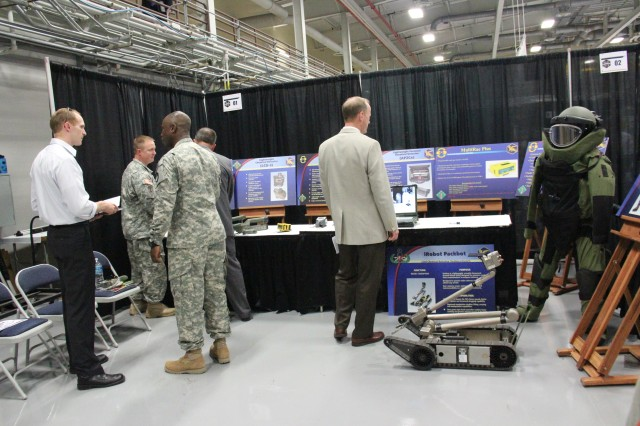 Soldiers with the 20th CBRNE Command highlight their abilities during the Team CBRNE Capabilities Showcase, Aug. 6, 2014, at Aberdeen Proving Ground, Md.