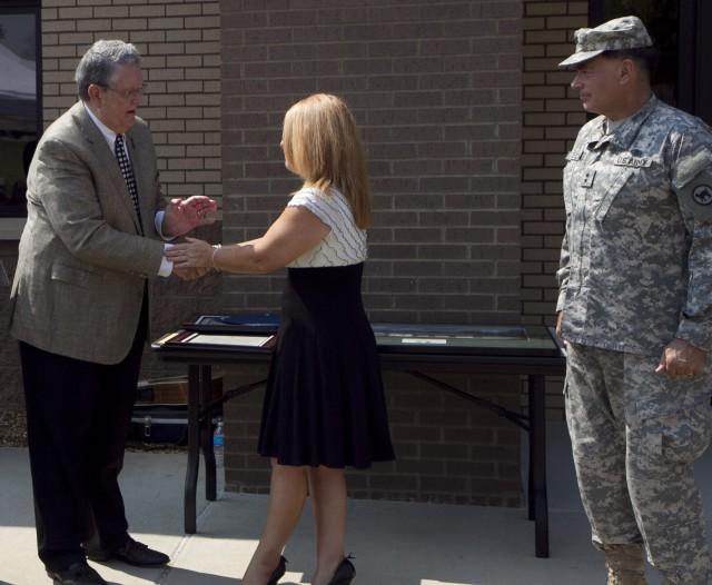USAR Ambassador presents coin