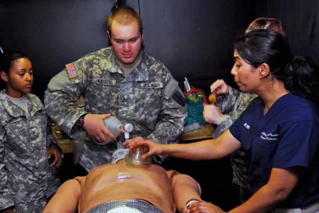 ER doctors help New York Army National Guard medics hone skills during annual training