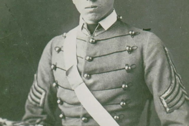 West Point class photo of Alonzo Cushing in 1861.