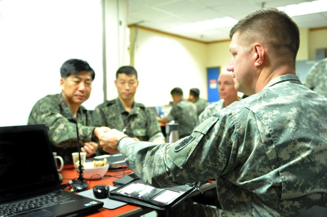 Deployable Command Post, 412th TEC train for real-world contingency at UFG