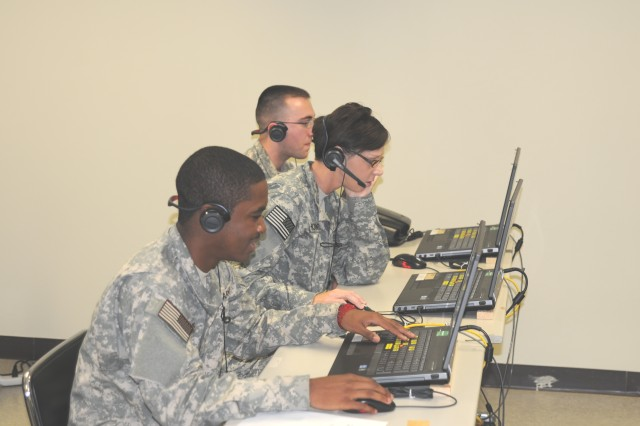 Army Reserve Soldiers with 368th Engineer Detachment (Forward Engineer Support Team-Main) participate in Virtual Battle Space 3 training in Daegu, South Korea, in support of Ulchi Freedom Guardian 2014.