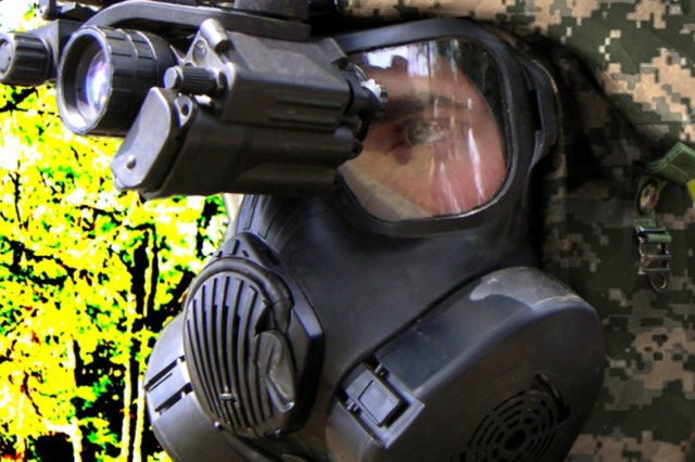 Soldiers can change filters in a threat environment, and the single lens across the face allows for a wider area of view for binocular use or other sighting devices.