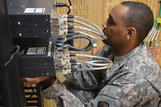 Army , Air Force move data over same network for first time at Joint Base San Antonio