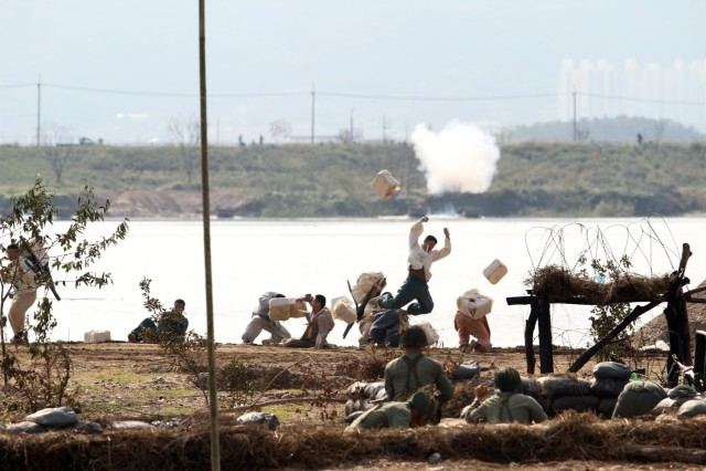 Nakdong River Battle re-enacts fierce battle, honors 64 years of South Korean history