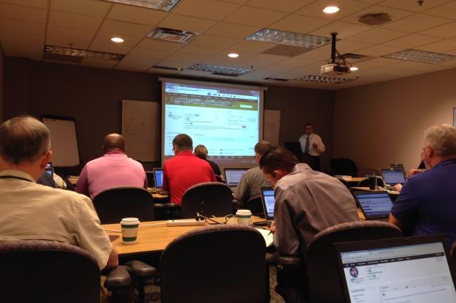 Steve Humes provides JLLIS instruction to FEMA training group