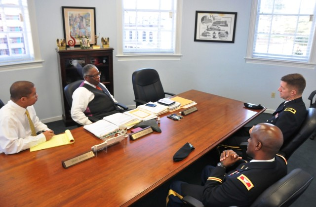 Thompson, Flaggs discuss issues beneficial to Army Reserve, Vicksburg community