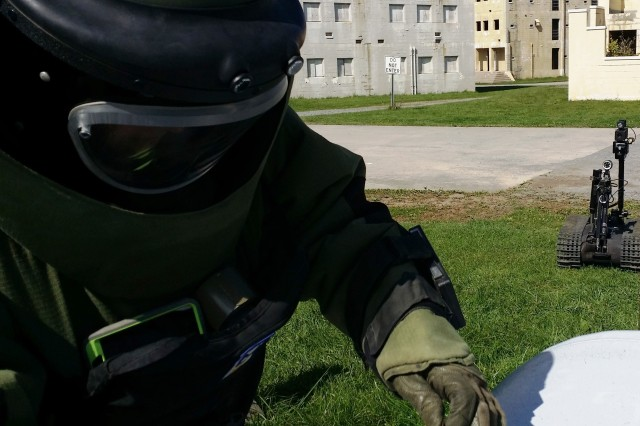 U.S. Army explosive ordnance disposal troops from the Fort Drum, New York-based 725th EOD Company, and the Canadian Army's 43rd Counter Improvised Explosive Device Squadron, trained together for the first time, Sept. 22-26, 2014.