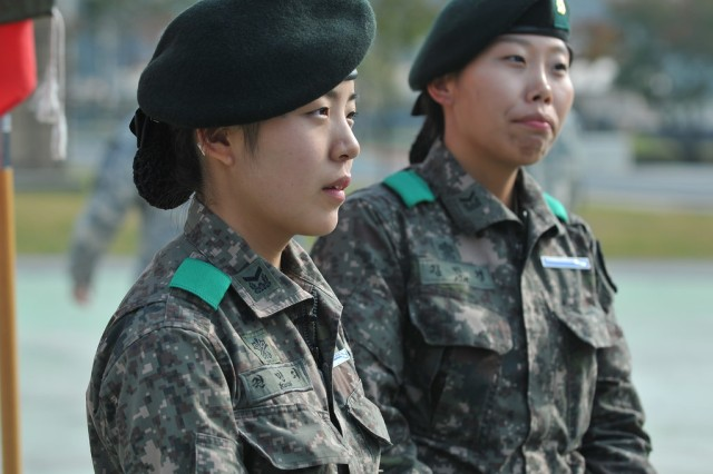 First Female South Korean Soldiers Earn Coveted Expert