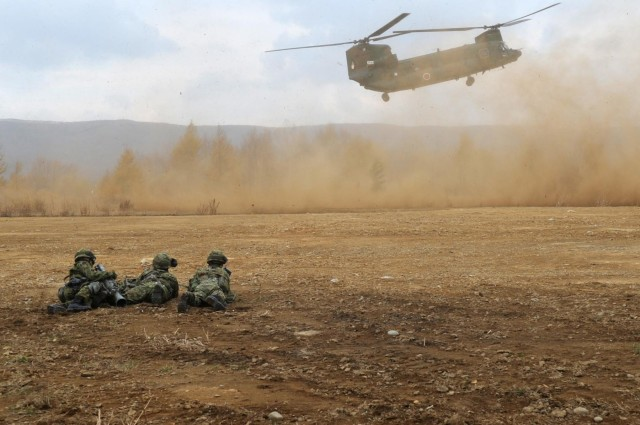 US and Japanese aviators work well together during Orient Shield 14