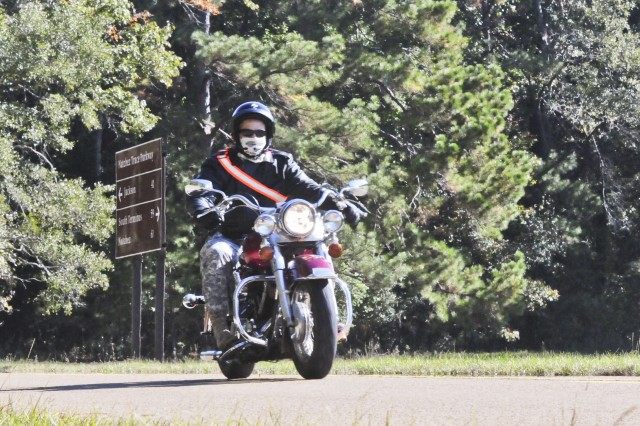 U.S. Army Reserve Soldiers with the 412th Theater Engineer Command participated in their first motorcycle safety ride round-trip from the 412th TEC in Vicksburg, Miss. to Natchez, Miss., Nov. 1. (U.S. Army photo by Staff Sgt. Roger Ashley)