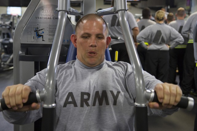 Army Reserve Sgt. Courtland Harris, from Savannah, Georgia, works out in a nearby gym during an Army Reserve pilot Performance Triad held at Fort Knox, Kentucky Nov. 1-13. Harris is assigned to the 450th Military Police Company. Harris and nearly 400 Soldiers assigned to the 290th MP Brigade are spending 14-hour days learning about nutrition, sleep and fitness during a two-week program. (Army Reserve Photo by Sgt. 1st Class Mark Bell/released)