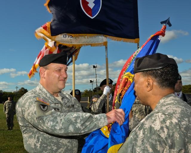 RDECOM welcomes commanding general