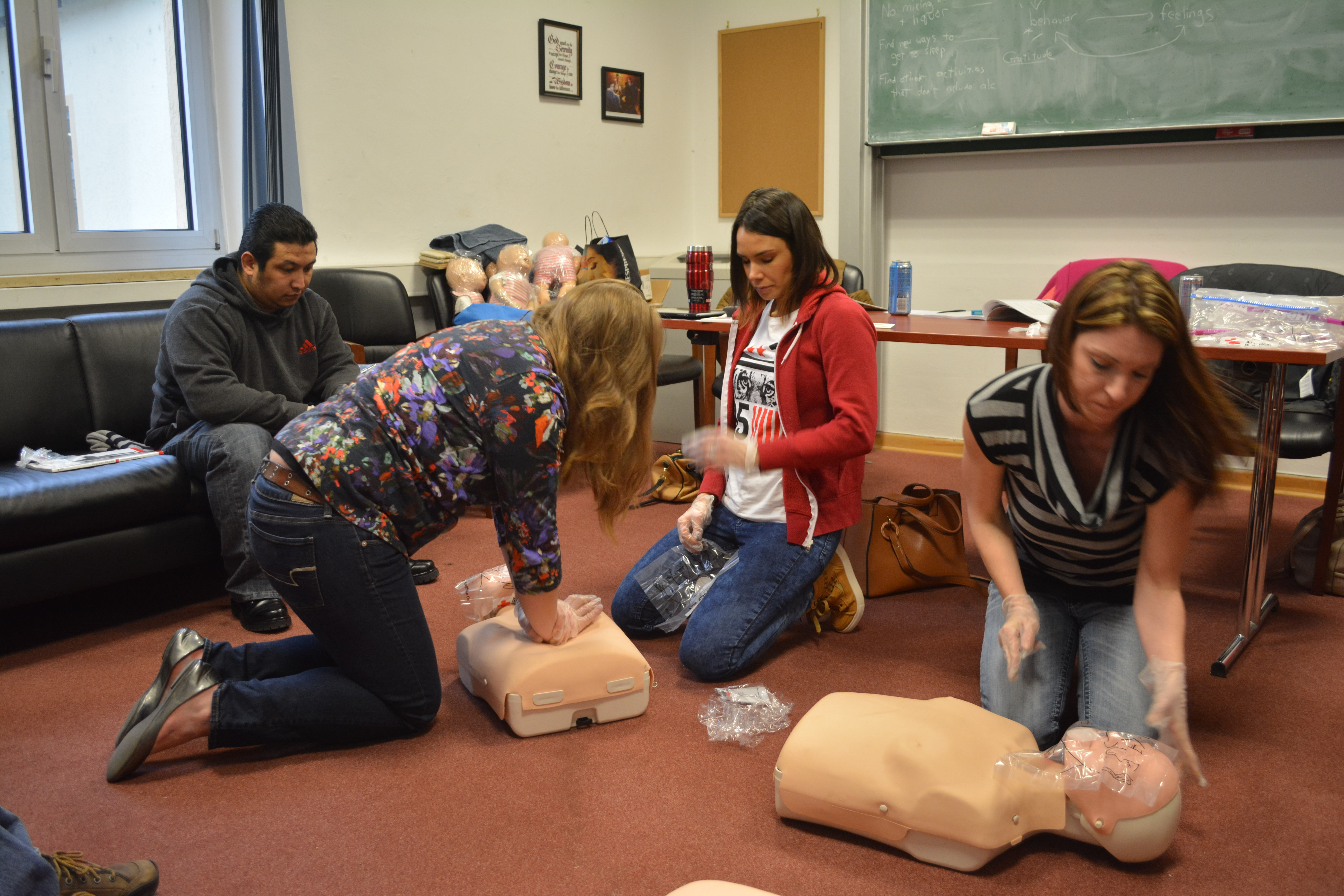 Staying Alive American Red Cross Offers Cpraedfirst Aid