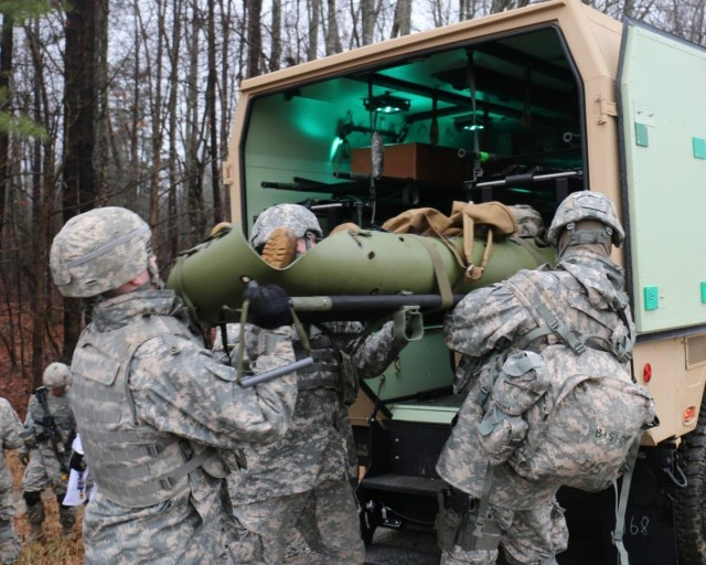 Virginia Guard Soldiers demonstrate medical skills during Warrior Exercise